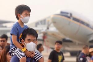 """จากงานวิจัย : กิน """"อาหาร"""" ต้านฝุ่นพิษ PM2.5"""