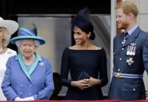 สื่ออังกฤษสับเละ'เจ้าชายแฮร์รี-เมแกน'เห็นแก่ตัว บีบราชินีจนต้องยอมตามใจ
