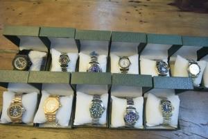รวบหนุ่มเมืองผู้ดีลอบขายนาฬิกาก๊อบปี้แบรนด์ดังผ่านอินสตาแกรมในเมืองพัทยา