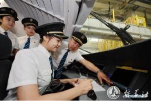 สู้เพื่อฝัน! พนักงานหญิงขับรถไฟความเร็วสูงจีน