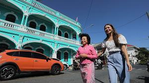 """""""น้ำหวาน"""" เรียนรู้วัฒนธรรมที่พิพิธภัณฑ์ภูเก็ตไทยหัว ชิมแกงส้มสับปะรดภูเก็ต สูตรเด็ด!"""