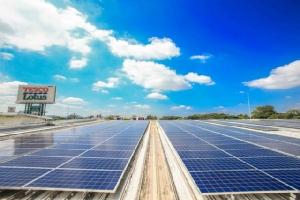 เทสโก้ โลตัส เพิ่มโซลาร์รูฟทอปอีก 19 สาขา ยืนยันเป้าภายในปี 2030 ใช้กระแสไฟฟ้าจากพลังงานหมุนเวียน 100%