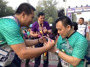 ชาวนาเชือกจัดวิ่งมินิมาราธอนหารายได้หนุนกองทุนช่วยเหลือผู้ป่วยติดเตียง