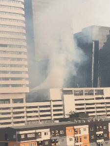 """ไฟไหม้ ชั้นใต้ดิน """"ห้างฟอร์จูนฯ"""" สัญญาณเตือนภัยดัง จนท. เร่งดับ"""