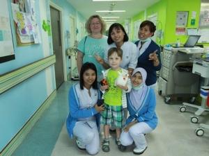 โรงพยาบาลกรุงเทพภูเก็ตมอบของขวัญสร้างความสุขให้น้องๆ หนูๆ ช่วงวันเด็กแห่งชาติ