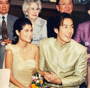 """19 ปีแล้ว """"ปิ่น เก็จมณี"""" โพสต์ครบรอบแต่งงาน """"เจ เจตริน"""" ชาวเน็ตบอกยังสวยหล่อทั้งคู่"""