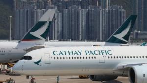 ผวาไวรัส! 'คาเธ่ย์แปซิฟิค' อนุญาตลูกเรือสวมหน้ากากอนามัยบนเที่ยวบินไป-กลับจีน
