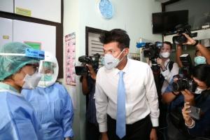 รมช.สาธิต ยันไทยพบผู้ป่วยไวรัสอู่ฮั่นรายที่ 5 อยู่ห้องแยกโรค รพ.ราชวิถี