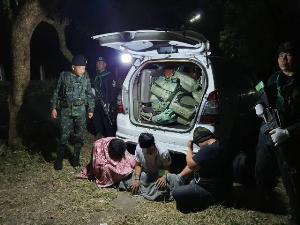 ทหาร-ตร.สกัดจับ 3 หนุ่มแก๊งยานรก ขนยาบ้า 1.7 ล้านซุกเต็มรถเข้าหนองบัวรอส่งต่อ