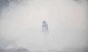 ไม่สนฝุ่นพิษ! พบชาวตราด-เกษตรกรหลายพื้นที่ยังคงเผาขยะ-กอข้าวต่อเนื่อง
