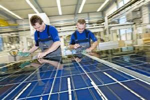 กฟผ. ผนึก กรอ.ศึกษาการบริหารจัดการซากแผงเซลล์แสงอาทิตย์และแบตเตอรี่ ตามแนวคิดเศรษฐกิจหมุนเวียน