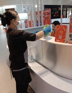 ศูนย์การค้าคุมเข้มไวรัสโคโรน่า  งัดมาตรการป้องกันรับมือ