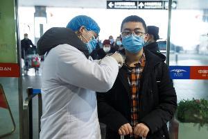 """""""โคโรนา"""" พุ่งขึ้นอีก ผู้ติดเชื้อในจีนเกือบ 5 พันราย เสียชีวิตเพิ่มเป็น 106 ราย"""