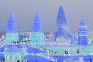 เทศกาลน้ำแข็งและหิมะนานาชาติแห่งเมืองฮาร์บิน  (ภาพ : ซินหัว)