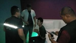 ปคม.จับหนุ่มราชบุรี ถ่ายคลิปลามกน้องชายแท้ๆ ขายกลุ่มไลน์เกย์