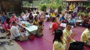 ชาวบ้านหิ้วปิ่นโตกินข้าวกับภาครัฐ ส่งเสริมการมีส่วนร่วมระหว่างคนในชุมชนและส่วนราชการ