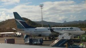แตกตื่นทั้งลำ!!เครื่องบินต้องวกกลับ ผู้โดยสารแคนาดาโกหกติดเชื้อไวรัสโคโรนา