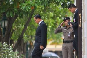 เมื่อสังคมไทยต้องเผชิญกับรัฐบาลที่ล้มเหลว แต่ไร้ความหวังในการเปลี่ยนแปลง