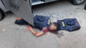 (ชมคลิป) ทหารคลั่งกราดยิงกลางเมืองโคราช ตายอย่างน้อย 12 หลบเข้าห้างดัง จับ 16 คนเป็นตัวประกัน