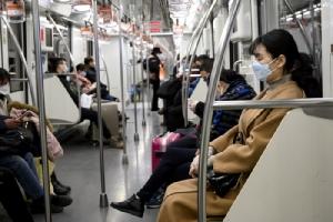 ชาวจีนนับล้านทยอยกลับเข้าทำงาน  อนามัยโลกเตือนผู้ติดเชื้อทั่วโลกอาจพุ่งขึ้น
