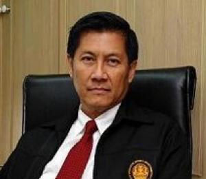พล.ท.ภราดร พัฒนถาบุตร อดีตเลขาธิการสภาความมั่นคงแห่งชาติ (สมช.) และที่ปรึกษาพรรคเพื่อไทย