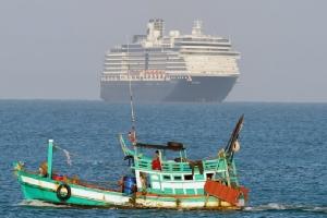 In Pics : เรือสำราญเวสเตอร์ดัมขึ้นฝั่ง 'สีหนุวิลล์' ผู้โดยสารเฮลั่นได้กลับบ้าน