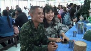 เซอร์ไพรส์! ทหารเกณฑ์อุบลฯ ฉวยโอกาสวันพบญาติขอสาวแต่งงาน