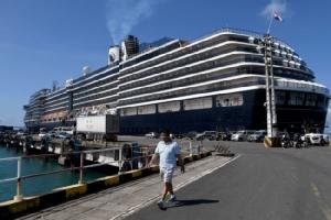 กัมพูชา-บริษัทเรือร้องมาเลเซียตรวจผู้โดยสารเรือเวสเตอร์ดัมซ้ำหลังพบติดเชื้อโควิด-19