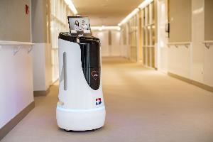 """รพ.กรุงเทพ ใช้หุ่นยนต์อัจฉริยะ """"เฮลธ์ตีบอท"""" ลดเสี่ยงติดเชื้อโรคระบาดใน รพ."""