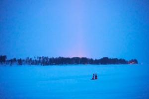"""ลองสักครั้ง! ดริฟท์ """"M"""" บนพื้นทะเลสาบน้ำแข็งที่ลื่นที่สุดในโลก"""