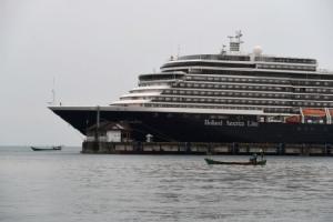 ผู้โดยสารเรือเวสเตอร์ดัมชุดสุดท้ายได้ไฟเขียวขึ้นฝั่งหลังผลตรวจไวรัสเป็นลบ