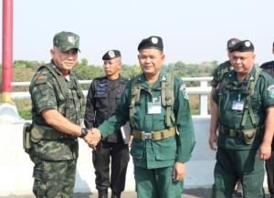 ทหารไทย-กัมพูชาร่วมแก้ปัญหาแนวชายแดน ป้องกันไวรัสโควิด-19