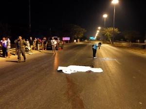 หนุ่มซิ่งเก๋งชนคนวิ่งข้ามถนนตัดหน้าเสียชีวิตคาที่