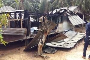 หมดตัว! บ้านถูกไฟไหม้ทั้งหลังไม่เหลือทรัพย์สินแม้แต่เสื้อผ้า เงินออม 4 หมื่นหมดวอดในพริบตา