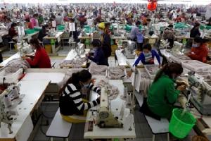 'ฮุนเซน' รับปากลดหย่อนภาษีให้โรงงาน แถมช่วยค่าแรงชดเชยผลกระทบไวรัส-ยุโรปถอนสิทธิการค้า