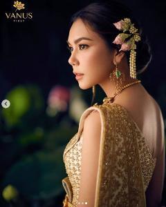 """ดุจต้องมนต์ """"ตอง ภัครมัย"""" งดงามดั่งแม่หญิงกับชุดไทยสุดอลัง"""