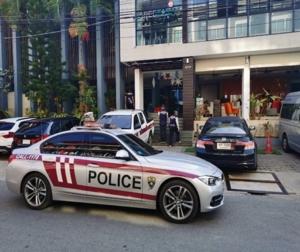 ตม.กระบี่ ร่วมตำรวจท่องเที่ยวบุกจับฝรั่งแอบถ่ายหนังโป๊