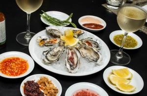 """อร่อยไม่อั้นกับ """"บุฟเฟต์อาหารทะเล"""" ที่รร.พูลแมน กรุงเทพ แกรนด์ สุขุมวิท"""