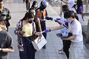 """""""บาบาร่า"""" ยกทัพคาราวานทรูป #Saveสุขภาพ แจกหน้ากากอนามัยทั่วกรุงเทพฯ"""