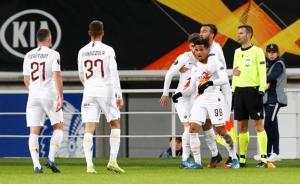 """""""ไคลเวิร์ต"""" ยิง อเวย์ โกล ตีเจ๊า 1-1 """"โรมา"""" เข้ารอบ 16 ทีมยูโรปาฯ"""