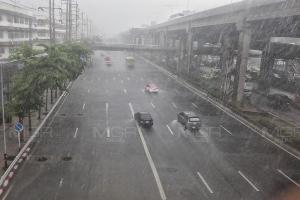 อุตุฯ เตือน พายุฤดูร้อนถล่มไทย ฝนกระหน่ำ-ลูกเห็บตก-ลมกระโชกแรง อีสานเตรียมโดนก่อน
