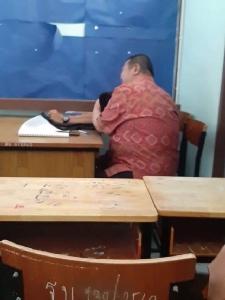 ครูโรงเรียนดังนครปฐมปั่นนกเขานักเรียน ม.3 แลกเกรดยกห้อง