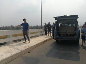 ได้กลิ่นเน่าตลอดทาง! คนขับรถตู้เผยหลังรับแก๊งฆ่าหนุ่มจีนยัดกระเป๋า-ชี้จุดทิ้งศพลงน้ำปิง