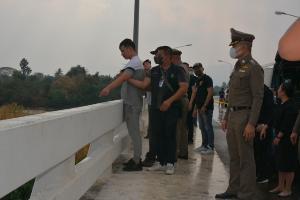 แก๊งฆ่ายัดกระเป๋าสารภาพสิ้น..รัดคอฆ่าหนุ่มจีน-แทงเพื่อนสาวดับ ยัดศพลงกระเป๋าโยนน้ำปิง