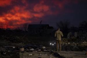 In Clip: ไม่ต่ำกว่า 20 ยังคงสูญหายในรัฐเทนเนสซีหลังพายุทอร์นาโดเข้า ดับ 24