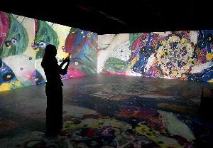 """ตื่นตาศิลปะ """"อาร์ต นูโว"""" สุดล้ำ ที่ MODA-พิพิธภัณฑ์ศิลปะดิจิทัลแห่งแรกของไทย"""