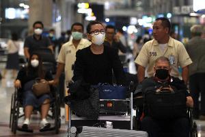 """""""ผีน้อย"""" กลับไทยเพิ่ม 193 ราย มีไข้ 2 ราย ยังรอผลแพทย์"""