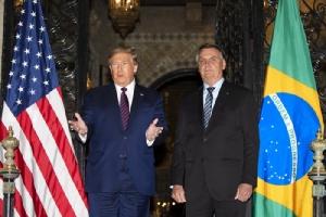 'ทรัมป์' ปฏิเสธไม่ยอมระงับการชุมนุมปราศรัยหาเสียง ขณะผู้ติดเชื้อไวรัสโคโรนาในสหรัฐฯพุ่งพรวด