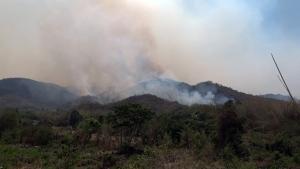 พื้นที่ป่า อช.เฉลิมพระเกียรติไทยประจัน เสียหายไปแล้ว 2 พันกว่าไร่ หลังไฟลุกไหม้รวม 3 วัน 3 คืน