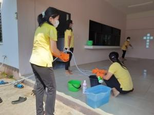 พังงากัก 1 เกาหลี 2 คนไทย รอผลตรวจโควิด-19 พร้อมจัดบิ๊กคลีนนิ่งศูนย์คริสเตียนพังงา